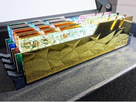 F4-3600C16D-16GTEGC 02 PCパーツ PCメモリー デスクトップ用