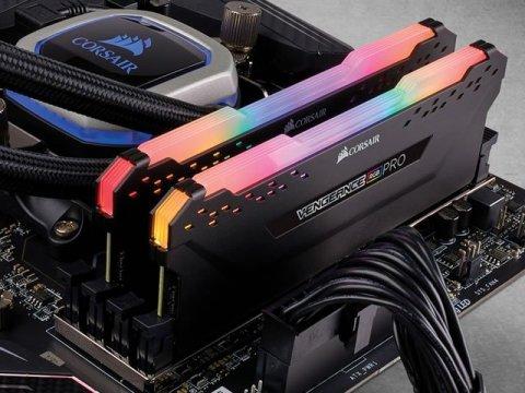CMW32GX4M2Z3600C18 03 PCパーツ PCメモリー デスクトップ用