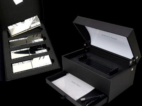 F4-3200C14Q-32GTRSU 01 PCパーツ PCメモリー デスクトップ用